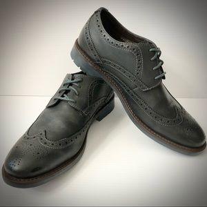 Clarks Garnet Limit Black Leather Wingtip Oxford